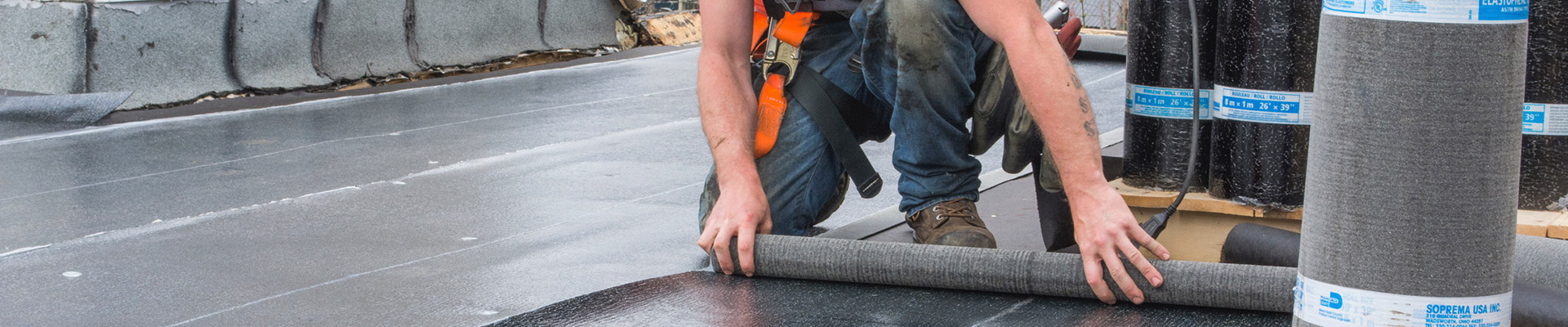 tapes de la pose de membrane lastom re pour toit plat toiture deluxe. Black Bedroom Furniture Sets. Home Design Ideas